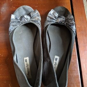 American Eagle Outfitters Shoes - American Eagle Flats with bow